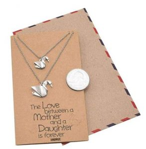 quan-necklace-and-pendant-for-mother-and-daughter